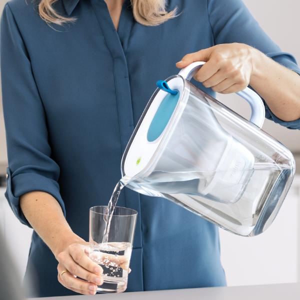 BRITA Tischwasserfilter Style Cool (2,4 l) soft blue